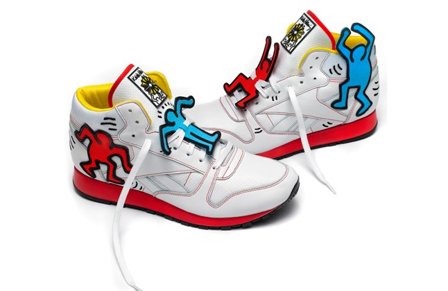 reebok-keith-haring-classic-leather-mid-lux-pair-1