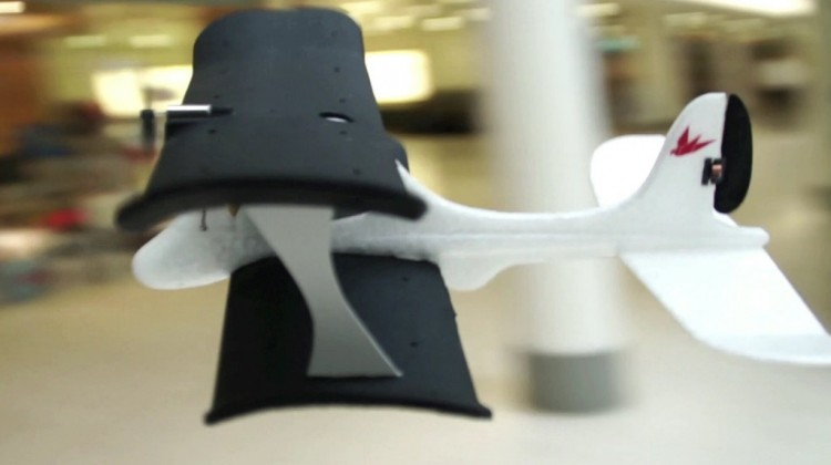 the-iphone-controlled-smartplane-developed-by-tobyrich-12_1024x1024